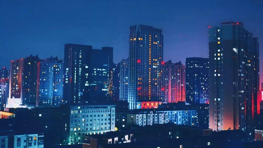 凌晨三点半的郑州街头,一半心酸,一半温暖